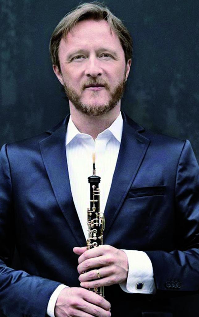 Albrecht-Mayer-©-Harald-Hoffmann-Deutsche-Grammophon-644x1024.jpg